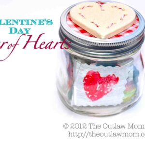 100 Acts of Kindness- Jar of Hearts {via The Outlaw Mom}