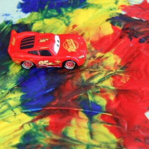Mess Free Car Painting {Classic Kids Activities}