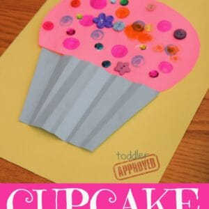 Cupcake Craft for Kids {Laura Numeroff Virtual Book Club for Kids Blog Hop}